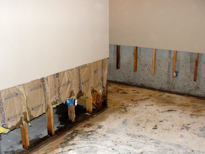 Merveilleux ... Once The Drywall Has Been Cut Away And All Other Damaged Wood Studs And  Insulation Have ...